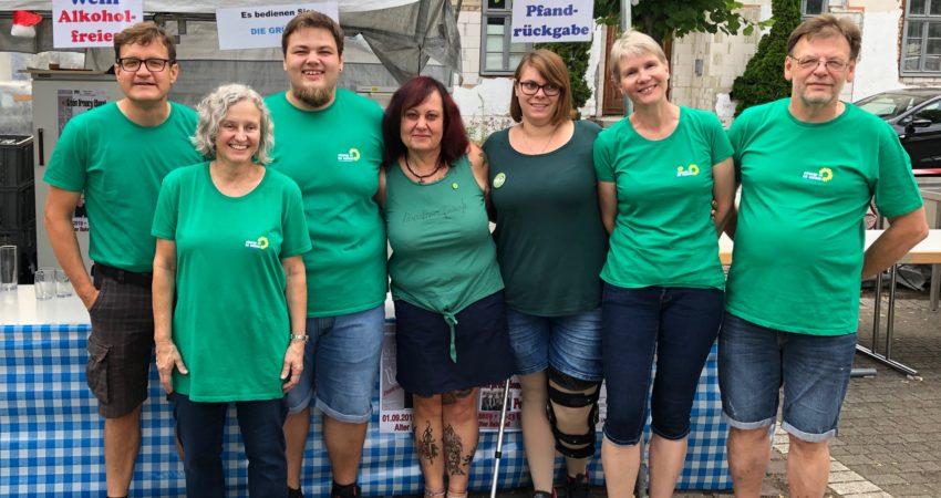 Grüne Helferinnen und Helfer auf der Summertime-Party 2019