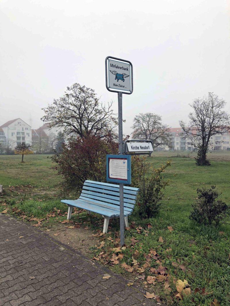Eine von mehreren Mitfahrbänke in Graben-Neudorf